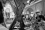 "Церемония проводов креста в Греции <a href = ""http://vz.ru/news/2013/7/11/640955.html"" target = ""_blank"">Подробности</a>(фото: EPA/ИТАР-ТАСС)"