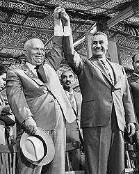 Первый секретарь ЦК КПСС Никита Сергеевич Хрущев и президент ОАР Гамаль Абдель Насер, 1964 год (фото: ИТАР-ТАСС)