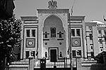 """Парламент Сирии, хотя и не имеет отношения к армии, может также подвергнуться удару как один из символов государственности <a href = """"http://vz.ru/politics/2013/8/29/647768.html"""" target = """"_blank"""">Подробности</a>(фото: mit.edu)"""