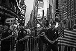 Многие из протестующих, кто вышел выразить протест в Нью-Йорке, имеют арабские корни (фото: Reuters)