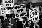 Активисты из Нью-Йорка призывали США убрать руки прочь от Сирии и всего Ближнего Востока (фото: Reuters)