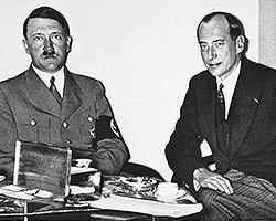 Знаменитая фотография: Глава МИД Польши Юзеф Бек ведёт переговоры с Гитлером, веря в «общее будущее» (фото: fair use)