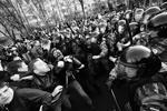 """Полиция провела задержание самых активных участников беспорядков (фото: РИА """"Новости"""")"""
