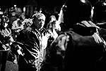 Сначала толпа требовала скорейшего задержания виновного в преступлении, потом требовала отпустить уже задержанных за хулиганство местных жителей (фото: ИТАР-ТАСС)