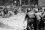 В ответ подразделения внутренних войск применили слезоточивый газ и шумовые гранаты (фото: Reuters)