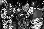 По данным МВД, к правонарушениям возле администрации президента Украины причастны более 300 радикально настроенных членов организации «Братство» (фото: ИТАР-ТАСС)