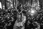 """Монумент был сделан из редкого материала – карельского кварцита (фото: РИА """"Новости"""")"""