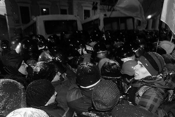 Среди митингующих оказались провокаторы, применившие против сотрудников милиции слезоточивый газ