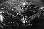 """Сейчас родственники Махачева ведут переговоры с одной из российских авиакомпаний о предоставлении самолета для чартерного рейса в Дагестан, чтобы перевезти тело погибшего для похорон на родину <a href = """"http://vz.ru/incidents/2013/12/20/665320.html"""" target = """"_blank"""">Подробности</a>(фото: ИТАР-ТАСС)"""