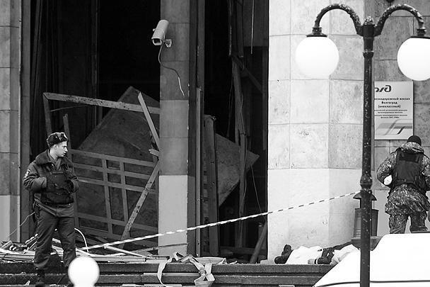 По данным представителей Минздрава Волгоградской области, жертвами теракта на железнодорожном вокзале стали 15 человек, еще около 30 получили ранения