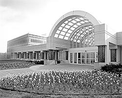Вид на вход в здание штаб-квартиры ЦРУ (фото: cia.gov)
