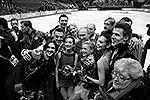 Первые российские триумфаторы Сочи-2014: на переднем плане слева направо – Максим Траньков, Ксения Столбова, Татьяна Волосожар, Елена Ильиных, Никита Кацалапов (фото: Reuters)