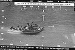 Данные СМИ и властей о спасенных пассажирах расходятся. Пресса сообщает, что с судна были эвакуированы 338 человек, а власти – 180 (фото: EPA/ИТАР-ТАСС)