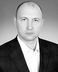 Михаил Старшинов считает, что затраты на лечение мигрантов не должно нести российское государство(фото: er-duma.ru)