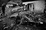 На территории всей Сербии объявлен режим ЧС из-за сильных дождей, вызвавших наводнения. Правительство страны запросило в четверг гуманитарную и техническую помощь у России и Еврокомиссии (фото: Reuters)