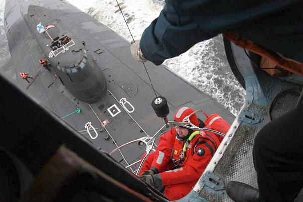 подводная лодка катер шторм