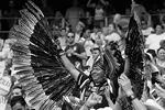 Мексиканские фанаты взывали к помощи богов майя, но в тот день их молитвы услышаны не были (фото: EPA/ИТАР-ТАСС)