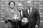 Владимир Путин заявил, что Россия сделает все возможное, чтобы провести турнир в 2018 году на высочайшем уровне. «Наша задача – создать наилучшие условия для тренеров, футболистов, экспертов и фанатов», – сказал он (фото: Reuters)