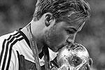 Марио Гетце стал одним из самых молодых авторов голов в финальных матчах чемпионатов мира по футболу. Ему 22 года (фото: Reuters)