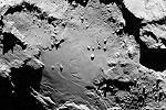 Главная задача первого этапа миссии – подробнее ознакомиться с характеристиками кометы, чтобы подготовиться к самой важной фазе проекта – поиску места для посадки спускаемого модуля (фото: EPA/ИТАР-ТАСС)