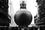 В Петербурге состоялась торжественная церемония спуска подводной лодки «Старый Оскол», являющейся третьей в серии из шести лодок проекта 636.3 «Варшавянка», предназначенных для обновления подводных сил Черноморского флота (фото: ИТАР-ТАСС)