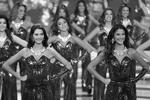 Конкурс красоты в Каракасе сопровождался эффектным театрализованным действом (фото: Reuters)