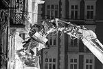 В тот же день, 23 октября, в жилом доме в польском городе Катовице произошел взрыв бытового газа. Погибли трое местных жителей (фото: Andrzej Grygiel/EPA/ТАСС)