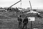 В воскресенье началась непосредственная погрузка обломков Boeing для отправки их в Нидерланды, где продолжится следствие по катастрофе  (фото: Михаил Почуев/ТАСС)