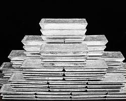 Нашему ЦБ надо еще минимум в три раза увеличить закупки желтого металла просто для того, чтобы закрыть профицит золота на внутреннем рынке(Фото: Reuters)