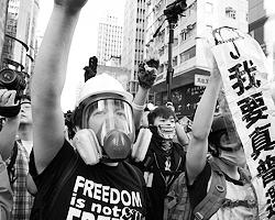 США с помощью событий в Гонконге давит на Китай, заставляя его пересмотреть свою позицию в отношении России (фото: Reuters)