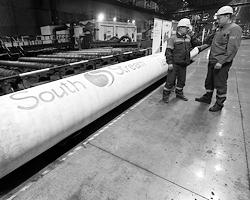 После завершения строительства мощного газопровода в Турцию «Газпром» может с чистой совестью остановить украинский транзит (Фото: Reuters)