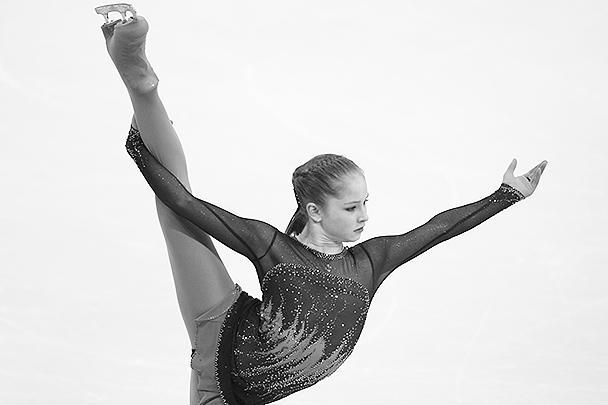 По мнению некоторых, Юлия Липницкая, рано ставшая звездой, уже начала показывать характер. Так, она не пришла на награждение в одном из турниров, позже ее поступок объяснили тем, что она расстроилась из-за второго места и проспала церемонию
