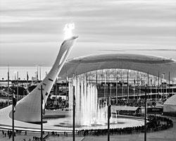 И против проведения «зимней Олимпиады в субтропиках», и в пользу нее шла настоящая информационная война (фото: Reuters)