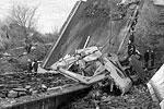 Обрушение опоры старого Берлинского моста через реку Преголя произошло в ходе строительных работ в Калининграде. Бетонная плита упала на бытовку, в которой находились люди. В итоге погибли четыре человека, еще двое получили серьезные травмы. Возбуждено уголовное дело