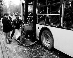 Даже в праздник, который должен символизировать единство страны, украинская армия продолжила обстрел мирного населения (фото: Николай Муравьев/ТАСС)