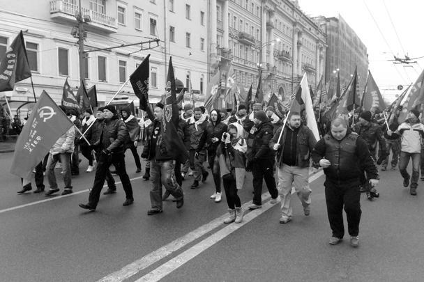 Акция объединила участников порядка ста общественных организаций, разнородных, но объединенных стремлением не допустить цветных революций в России