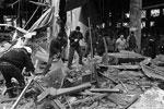 Под обломками здания могут находиться тела погибших во время боев на этой территории (фото: Валерий Шарифулин/ТАСС )