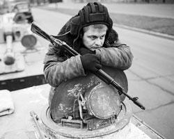 Из России едут добровольцы, отпускники, ветераны прошлых войн, возможно, контрактники (Фото: Reuters)