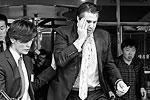 Посол США в Южной Корее Марк Липперт подвергся нападению представителя левой партии, который требовал объединения Северной и Южной Кореи. Липперт получил ранение руки и лица. Его жизни ничего не угрожает (фото: Yonhap/EPA/ТАСС)