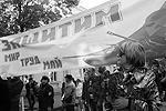 """В Севастополе также люди вышли на улицы, чтобы отметить наступление весны и праздник труда (фото: Юрий Лашов/РИА """"Новости"""")"""