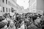 Участники акции памяти по погибшим в Одессе 2 мая 2014 года, организованной Союзом политэмигрантов и политзаключенных Украины возле посольства Украины в Москве (фото: Вороширин Дмитрий)