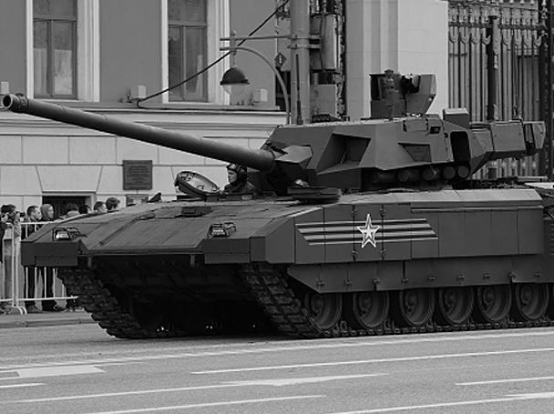 На репетиции парада Победы 4 мая по улицам Москвы прошли танк Т-14 на гусеничной платформе «Армата», «Курганец», «Бумеранг» и другие. Жители столицы впервые смогли увидеть воочию новые российские танки. Кроме того, Минобороны впервые опубликовало фотографии образцов новейшей военной техники, которые будут на параде