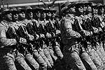 На площади можно было увидеть парадные расчеты вооруженных сил Азербайджана (фото: Reuters)