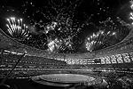 В Баку открылись первые в истории Европейские игры. Салюты, танцы, цирковое и театральное шоу увидели 70 тыс. зрителей, среди которых был и президент России. Церемония открытия «малой Олимпиады» была не только самым красочным, но и, возможно, самым дорогим спортивным мероприятием Азербайджана (фото: Zurab Kurtsikidze/EPA/ТАСС)