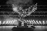 """На Олимпийском стадионе в Баку состоялась церемония закрытия первых Европейских игр. Постановщиком программы стал Джеймс Хадли, известный режиссурой представлений знаменитого канадского Cirque du soleil (фото: Алексей Филиппов/РИА """"Новости"""")"""