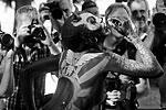 Бодипейнтеры (художники по телу) соревнуются в рисовании губкой, творческом макияже, спецэффектах и т.д. (фото: Heinz-Peter Bader/Reuters)