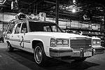 Режиссер ремейка «Охотников за привидениями» Пол Фиг выложил в своем Твиттере фотографии новой версии автомобиля Охотников. Несмотря на то, что машина получила заметные изменения, в целом она сохранила стилистику оригинальных фильмов 80-х годов (фото: twitter.com/paulfeig)