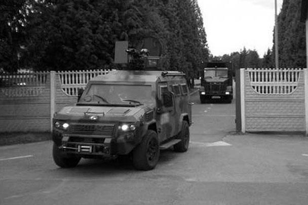 Правоохранители заявляют о продолжающейся спецоперации в Мукачево. Однако от штурма позиций боевиков пока решено отказаться