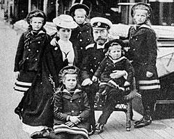 Акт императора Николая II об отречении от престола, датируемый 2 марта 1917 года, нелегитимен и не имеет никакой юридической силы (Фото: РИА Новости)