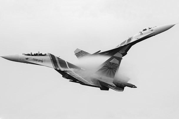 На церемонии открытия игр выступала пилотажная группа «Русские витязи»